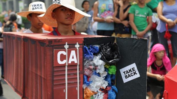 Филиппины отозвали из Канады и посла, и консулов