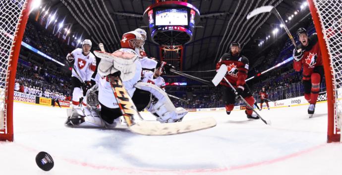 Рекорд: канадцы забили шайбу за 0.4 секунды до сирены