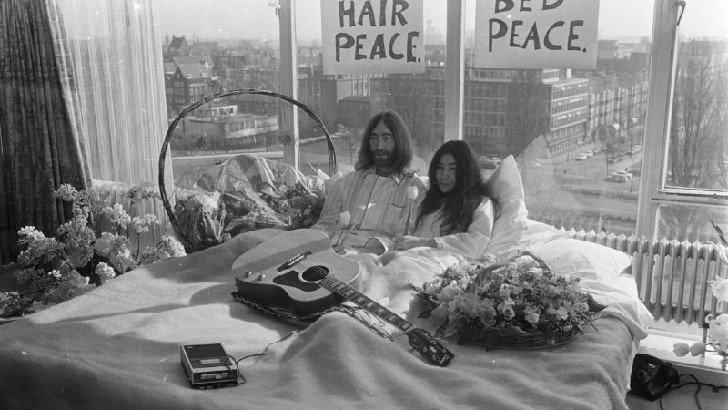В Монреале отмечают юбилей постельного протеста Леннона