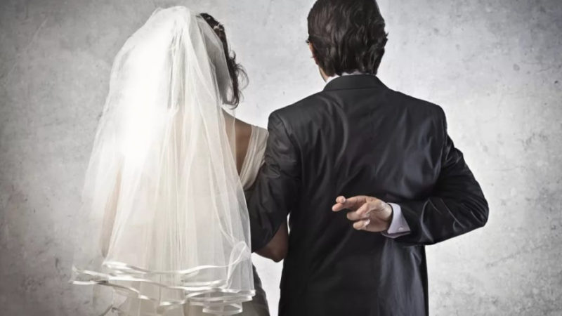 Правительство считает брак китайца с канадкой фиктивным