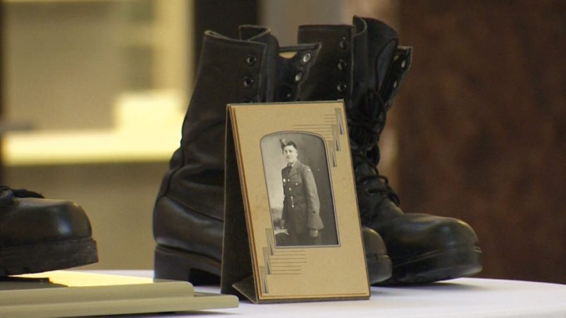 Солдатские сапоги как символ самопожертвования