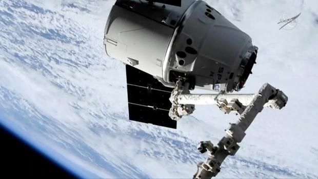 Канадец Сен-Жак «поймал» в космосе грузовик с Земли