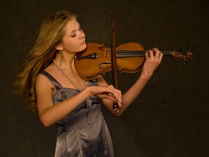 Уроки скрипки с сексуальным уклоном?