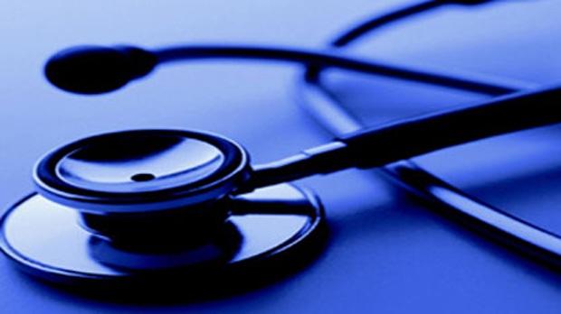 Доктор показывал пациентам свои фото «ню»