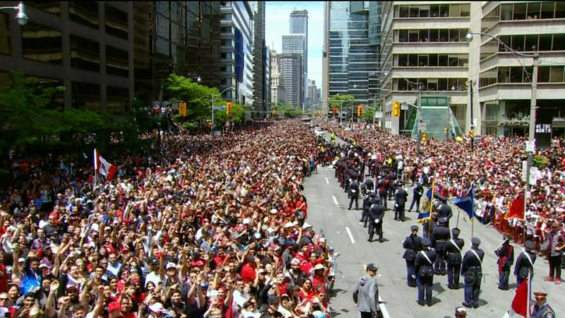 Мэрия Торонто не признает вины «скорой помощи» в гибели ребенка на параде