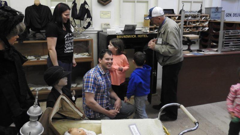 В Альберте открыли сейф, стоявший запертым 40 лет