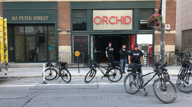 Убийство возле ночного клуба в Торонто