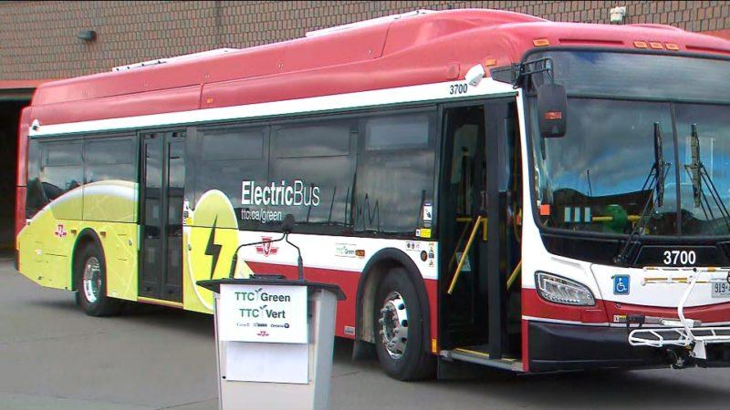 В Торонто на линию вышел первый электрический автобус