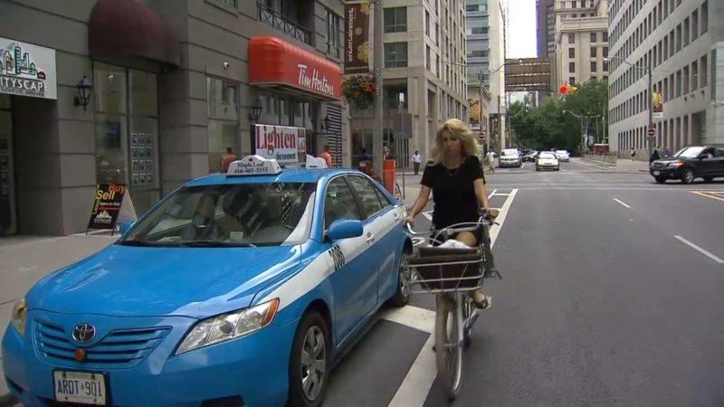 Торонто расширяет сеть велосипедных дорожек