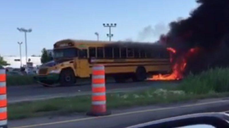 В аварии школьных автобусов в Квебеке пострадали почти 70 детей