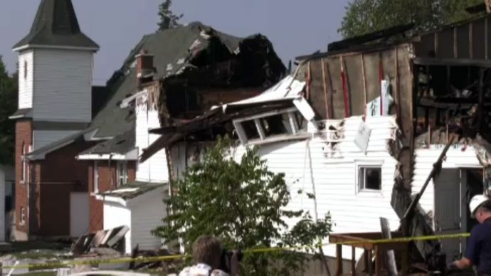 В канадскую церковь ударила молния