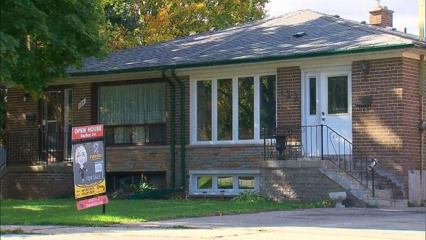 В июне домов в Канаде было продано немного больше
