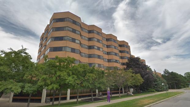 Торонтская больница уволила 150 работников по подозрению в мошенничестве