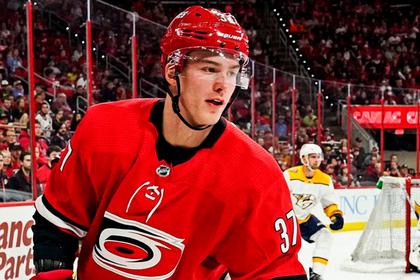 У молодого россиянина в НХЛ возникли проблемы с русским языком