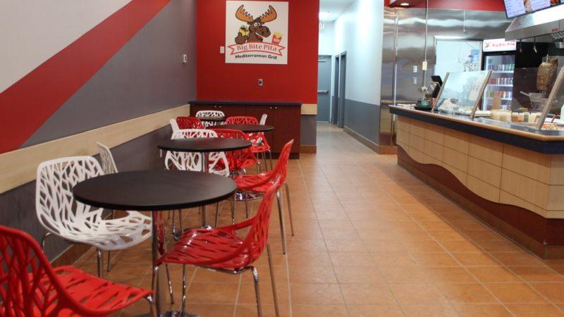Канадский ресторан кормит бездомных бесплатно