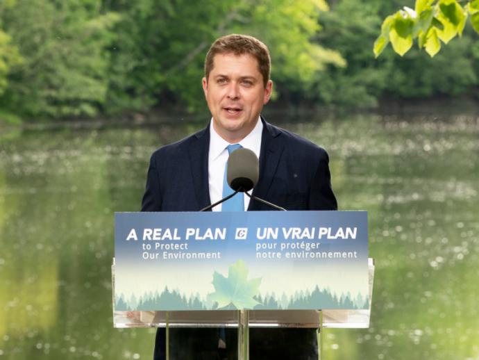 Лидер канадской оппозиции обещает собственные стандарты чистого топлива