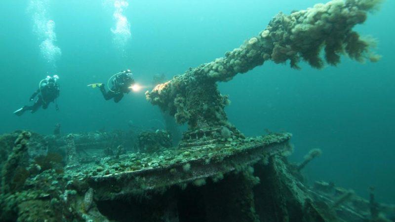 В Канаде с затопленных в войну кораблей поднимут опасные снаряды