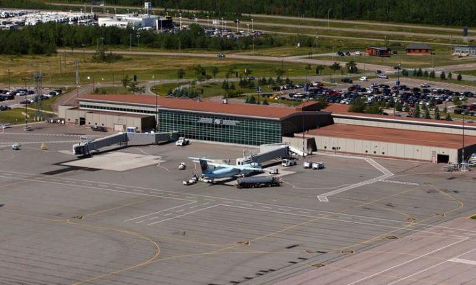 Тревога в аэропорту Монктона