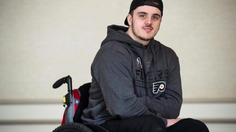 Канадский хоккеист-инвалид отправляется на операцию в Таиланд