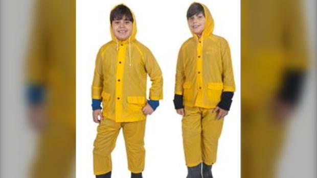 Детские дождевики отозваны из продажи в Канаде