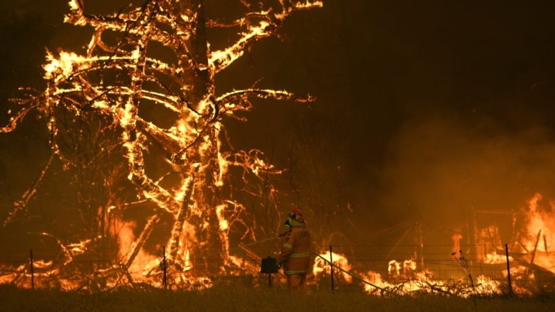 Канадцы отправились на Рождество тушить пожар в Австралии