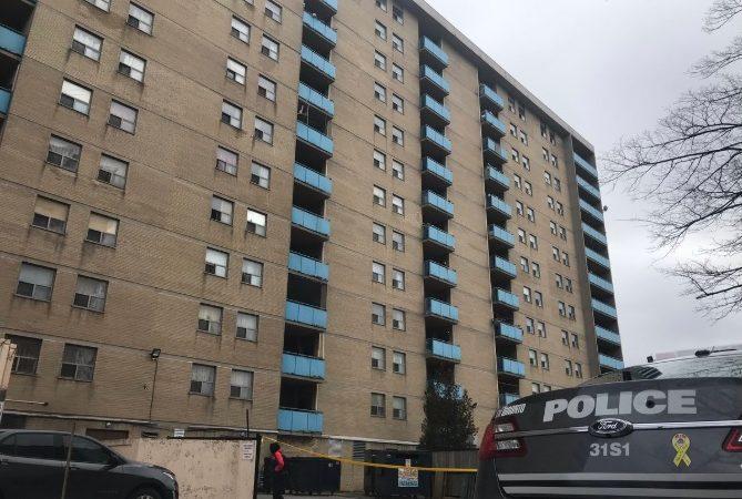 Девочка упала с балкона в результате несчастного случая