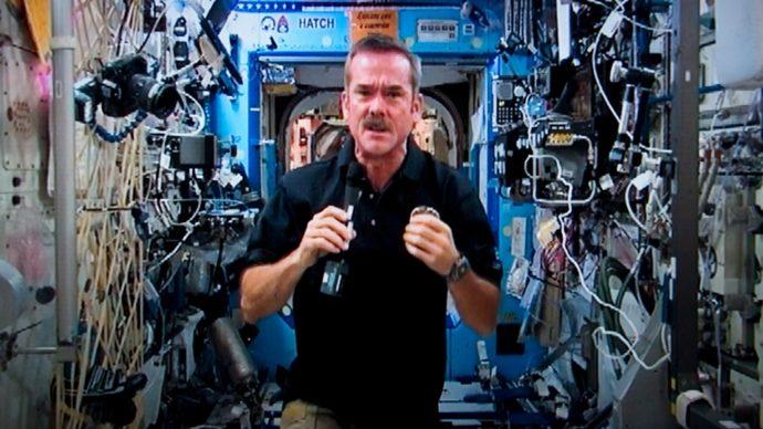Астронавты рассказывают о жизни в изоляции