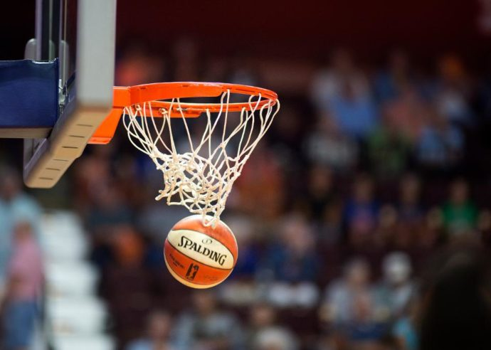 НБА зовет на тренировки, если разрешат власти