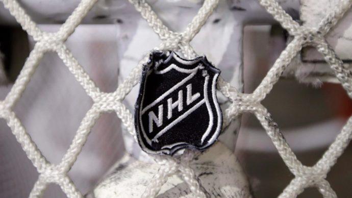 НХЛ в третий раз продлевает режим самоизоляции