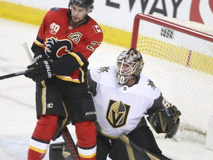 Шведский голкипер НХЛ назвал своих соотечественников идиотами