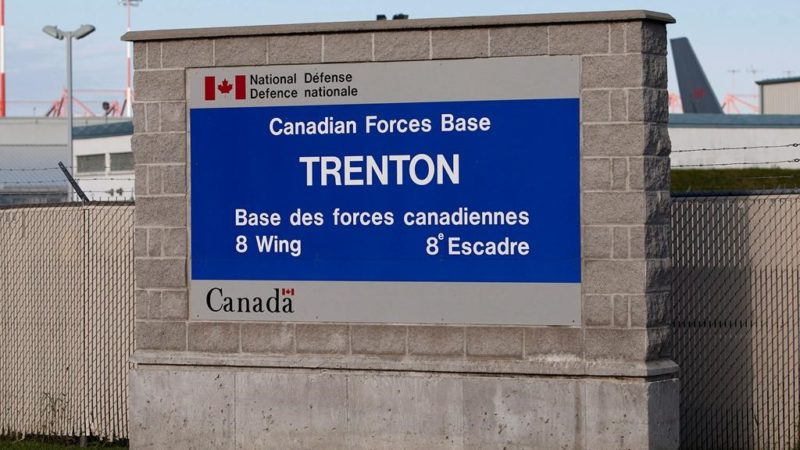 Канадские военные возвращаются из Украины