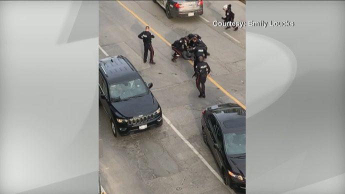 Погоня за вооруженным в центре Торонто