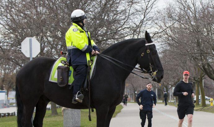 Полиция Торонто: больше штрафов на Пасху
