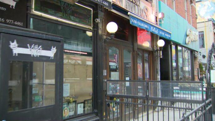 В Канаде навсегда закрылся каждый десятый ресторан