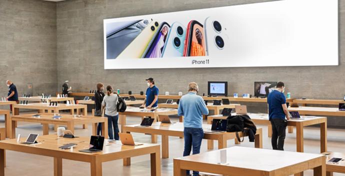 При входе в Apple Store покупателю дадут маску