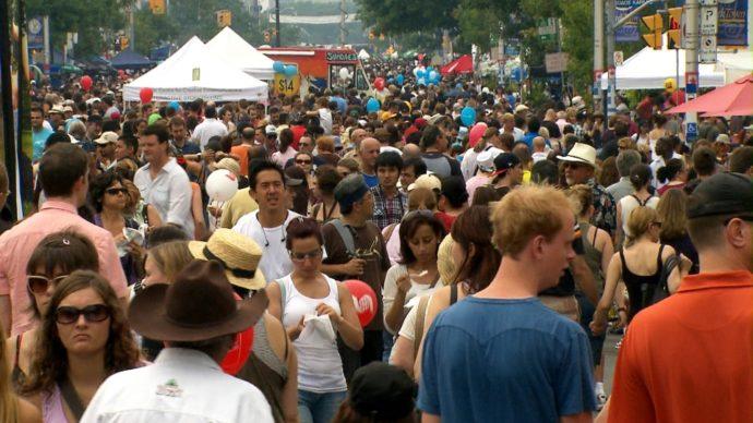 Торонто: фестивали отменяются, детские лагеря закрыты