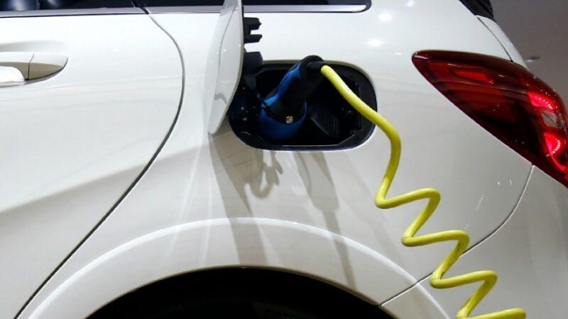 Квебек запретит обычные автомобили к 2035 году