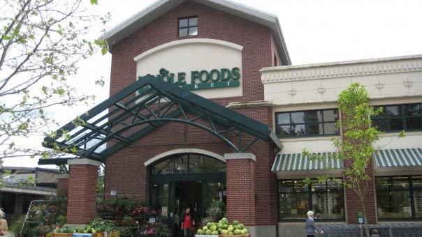 Странный дресс-код для супермаркетов Whole Foods
