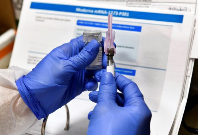 Вакцина компании Moderna работает