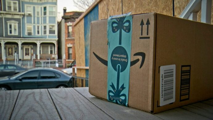 Коробка дерьма для покусившихся на чужие посылки