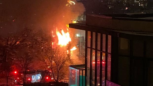Сильный пожар в Торонто
