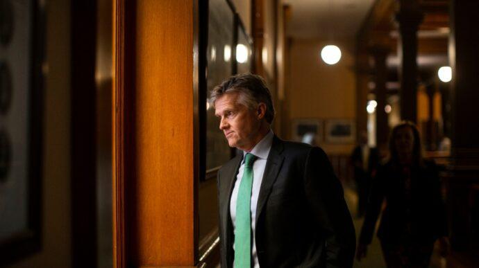«Задница министра» возвращается в Канаду