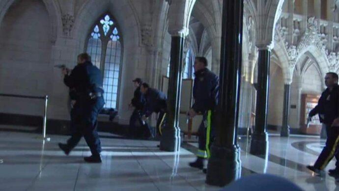 Следы от пуль перестрелки 2014 оставят в стенах канадского парламента