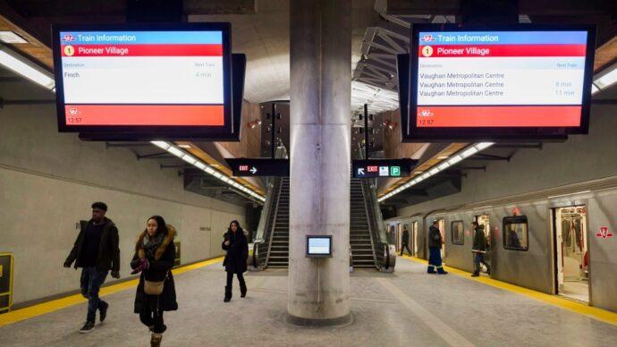 Цены на транспорт в Торонто не поднимутся в новом году