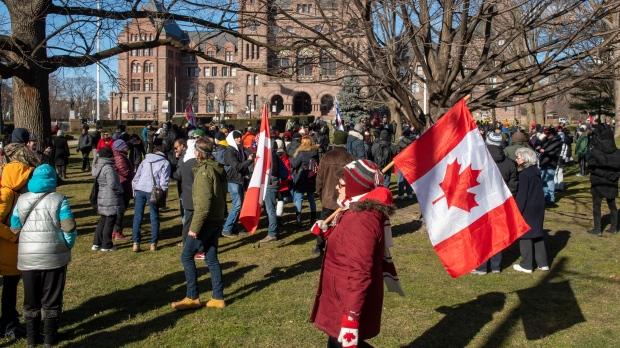 Антиковидные протесты в Торонто: 10 человек арестованы