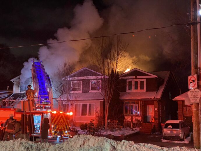 На пожаре в Торонто погибли четыре человека