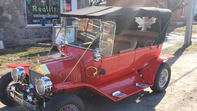 Канадцы продали старинный Ford T, чтобы помочь друзьям