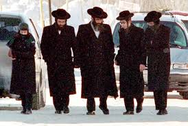 Молящимся разрешили собираться группами