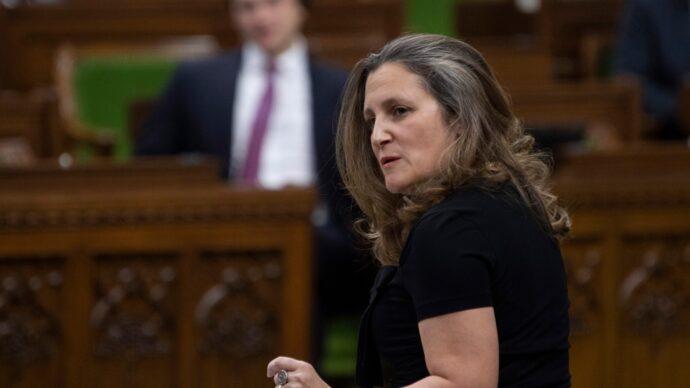 Фриланд торопит оппозицию канадского парламента