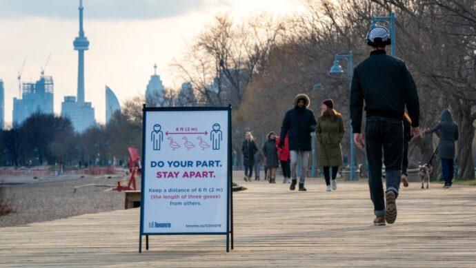 Вакцинация в Торонто: будет открыто более 350 кабинетов